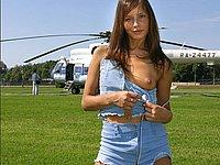 Junge h�bsche Russin nackt im Freien