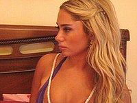 Versautes Blondchen privat fotografiert
