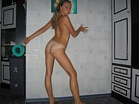 Sexy M�dchen (18) nackt fotografiert
