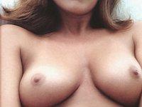 Scharfes Mädel nackt und beim Sex mit ihrem Freund