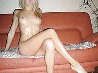 Junge Blonde zeigt ihren absolut scharfen Körper