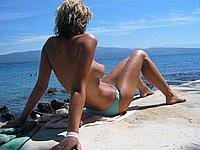 Intime Urlaubsfotos - Blonde Naturistin