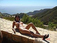 Sch�ne Frau mit dicken Titten nackt im Urlaub - Private Urlaubsbilder