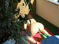 Meine reife Nachbarin heimlich auf der Terasse fotografiert