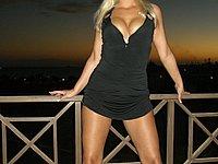 Versautes blondes B�ckst�ck - Tina ist einfach nur verdorben