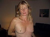 Reife Blondine privat nackt und beim Blowjob