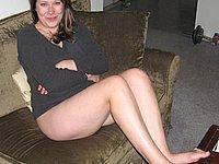 Blonde Amateurin vom Ehemann nackt fotografiert