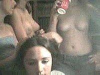 Junge versaute M�dchen (18) machen sich vor ihrer Webcam nackig