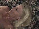 Blondes Spermaluder bekommt die Ficksahne in den Mund