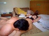 Asiatisches Paar privat beim Sex