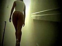 Sexy Kurven und dazu geile lange Beine