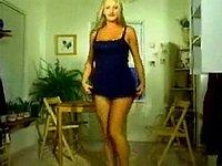 Scharfe Blondine beim Privat Strip